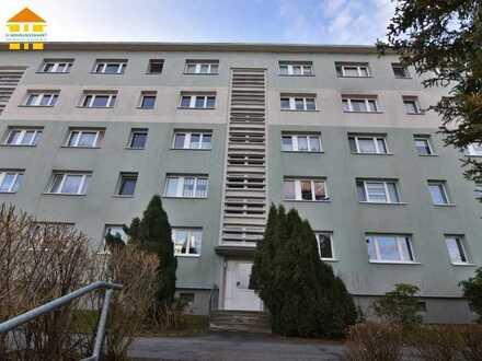 Vermietete 4-Raum-Wohnung mit Balkon und Tageslichtbad zur Kapitalanlage!