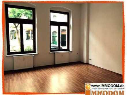 Zentrumsnahe preiswerte 3-Zi. Wohnung mit Laminat und Garten