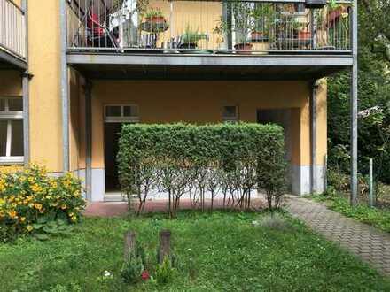 Potsdam - 3 Zi FREI - Altbau mit Terrasse und eigenem Gartenanteil + Nahe Schloss Sanssouci