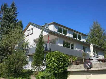 Exclusives, freistehendes Haus mit Charme auf großem Grundstück in erstklassiger Aussichtslage