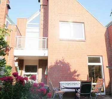 zeitlos modernes Architektenhaus mit sechs Zimmern in zentraler ruhiger Lage von Kiel-Suchsdorf