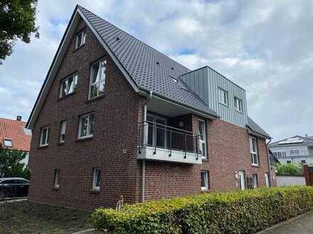 Neubau: 3 Zimmer, Küche, Bad mit Balkon und Garage