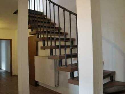 1 Zimmer ca.30qm für Handwerker oder Studenten WG für 2-3 Personen