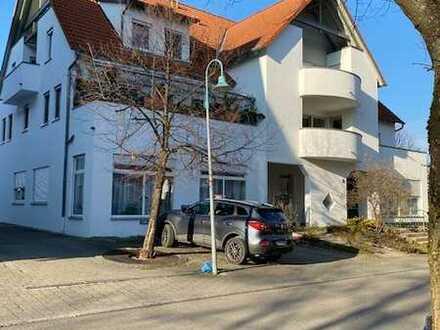 Interessante 3,5 Zi.-Whg. mit Tiefgarage in gepflegtem Mehrfamilienhaus in Gammelshausen