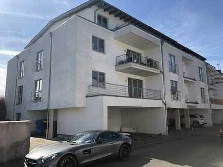 Nur noch eine große 5 Zimmer Terrassenwohnung mit Garten und Garage