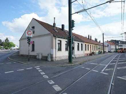 Sanierungsbedürftiges Einfamilienhaus in D-Gerresheim