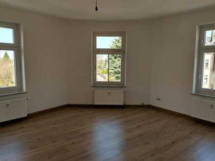 Frisch renovierte 3 Raum Wohnung mit großzügigem Bad