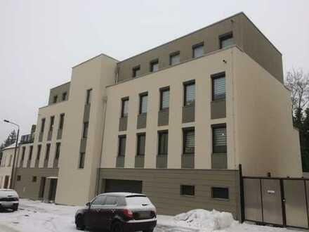 Neuwertige 5-Raum-Penthouse-Wohnung mit Balkon und Einbauküche in Leipzig