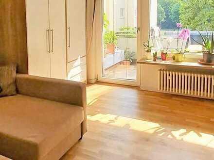 Sonnendurchflutetes, großzügiges, modernisiertes Apartment - mit hübschem, grünen Blick!