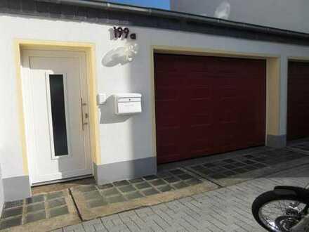 Haus-im-Haus: Lichtdurchflutete 2-Zimmer-Maisonette-Wohnung mit Sonnenterrasse!