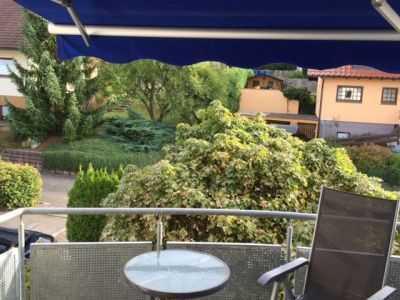 Wunderschöne sonnige und ruhige 2,5 Zimmer-Wohnung in RW-Göllsdorf