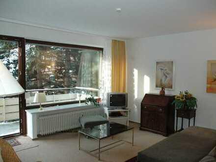 »MÖBLIERT« - 2 Zi Wohnung, Farmsen, gemütlich u. in ruhiger Lage mit Küche, Bad u. Balkon im Grünen
