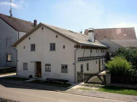 Renovierte Jurahaushälfte für Liebhaber (4ZKB, WC, EBK) in Schernfeld
