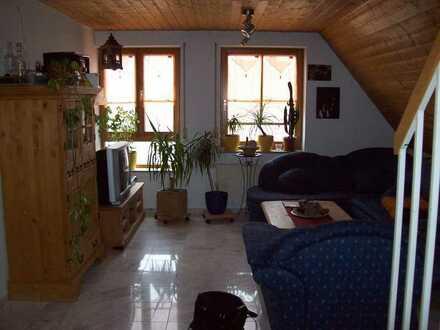 Neuwertige 3-Zimmer-Maisonette-Wohnung mit Einbauküche in Bad Urach Sirchingen