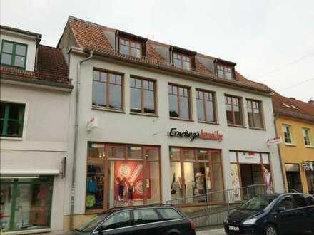 Wohn- und Geschäftshaus mit viel Potenzial im Zentrum Grimmens