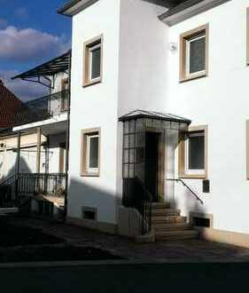 Modernisierte 3,5 Zimmer-Wohnung mit Balkon in Ludwigshafen-Oppau