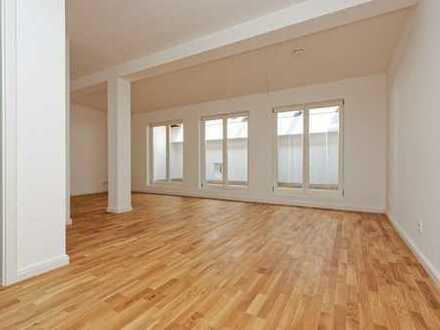 BEZUGSFREI: Studio-Apartment mit großer Terrasse nahe Schlosspark Sanssouci