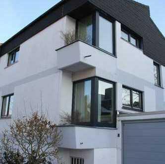 Exklusives Triple-Haus mit 5 Zimmern (+2 Souterrain) in Gehrden (westl. Stadtrand von Hannover)