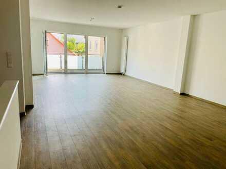 Neuwertige 3-Raum-Wohnung mit Balkon in Wertheim