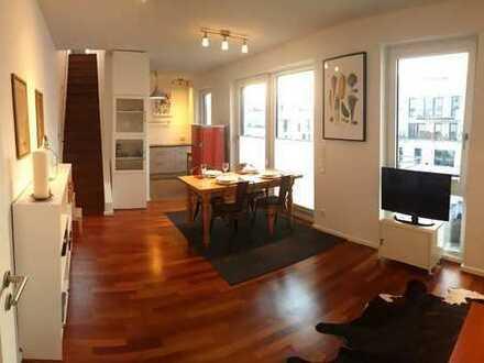 Schöne und geräumige 3 Zimmer Wohnung in Obergiesing mit Dachterasse und Einzelstellplatz
