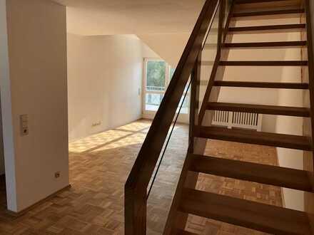 3,5-Zimmer-Maisonette-Wohnung mit Balkon und Einbauküche in Aichwald