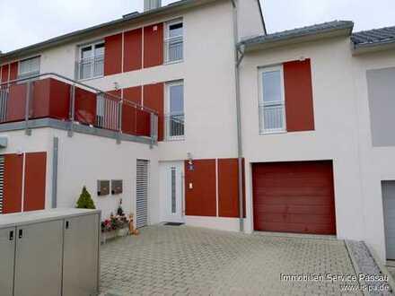 Schöne 4-Zimmerwohnung in Passau-Patriching mit Einbauküche und Garage! Ca. 50 m² eigener Garten.