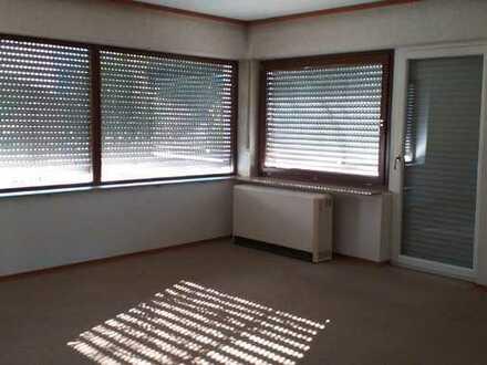 Ruhige und helle 4,5-Zimmer-Wohnung mit großem Balkon in Blaustein-Arnegg