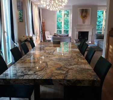 Luxuriöse 4-Zimmer-Wohnung mit 143 m² direkt am Englischen Garten, zwischen Isar und Eisbach gelegen