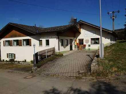 Wohnen und Arbeiten unter einem Dach - Wohnhaus mit ehemaliger Gaststätte