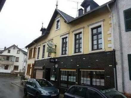 Gaststätte in Mettlach-Saarhölzbach mit Wohnräumen
