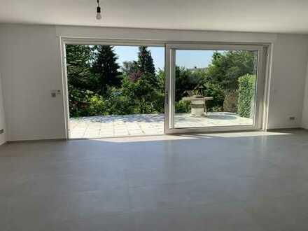 Dönberg: freistehendes Einfamilienhaus mit Doppelgarage in ruhiger Anliegerstaße