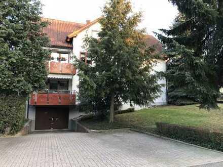 Sonnige und große 4-Zimmer-Dachgeschosswohnung mit Balkon in Steinbach