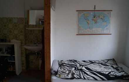 Helles Zimmer in Studenten-WG (15qm, unmöbiliert)