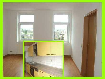 Gepflegte 2-Raum-Wohnung mit schicker neuer EBK und Wannenbad mit Fenster