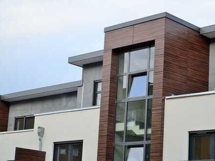 Exklusive 2-Zimmer-Wohnung mit großer Dachterrasse & Fußbodenheizung