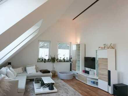 Exklusive, neuwertige 4-Zimmer-DG-Wohnung mit Balkon und EBK in Mannheim-Feudenheim