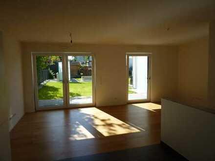 Exklusive, neuwertige 5-Zimmer-Terrassenwohnung über 2 Ebenen in Unterhaching
