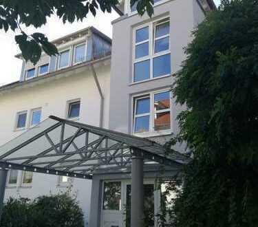 Sehr schöne Maisonette-Wohnung in ruhiger und zentraler Lage von Holzgerlingen