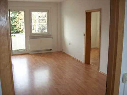 WGgeeignete 3Zi Wohnung mit Wannenbad,Balkon,Laminat;Aussenstellplatz inklusive