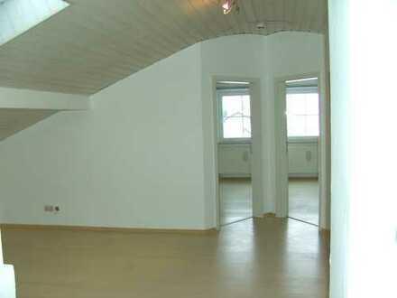 Schöne 3 1/2 Zimmer DG.Wohnung in Regenstauf OT Preßgrund