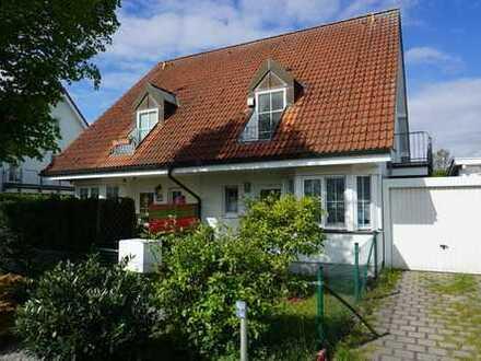 Schöne 4,5 Zimmer DHH mit Garten, Terrasse und Garage in Randlage zu vermieten!