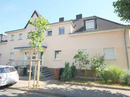 Komplett renovierte Doppelhaushälfte mit Gartengrundstück in Niederaußem
