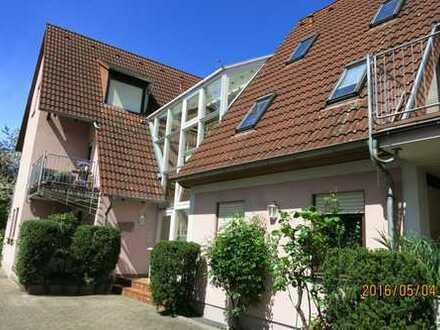 Gepflegte 3-Zimmer-EG-Wohnung mit Balkon in Edingen-Neckarhausen