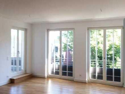 Exklusive 111m² - 2 Zi-Wohnung mit Loggia, EbK., Spa, TG und Aufzug in den Klostergärten!