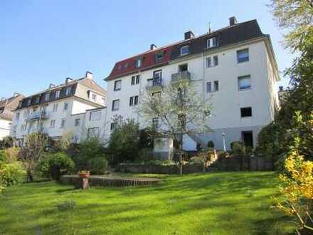 Sehr gepflegtes einseitig angebautes 3-Familienhaus mit schönem Garten und Garage in Wuppertal / Zoo