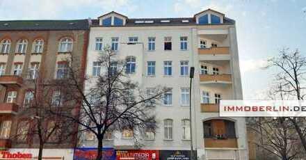 IMMOBERLIN: Helle Altbauwohnung mit Garage beim Hermannplatz