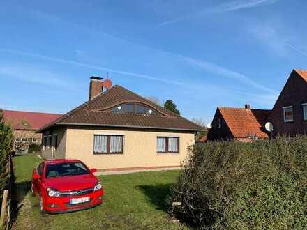 Schönes Haus mit sechs Zimmern/EBK/Garage etc.