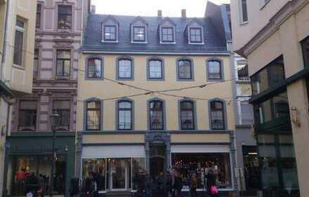 Ruhige, zentralgelegene, geräumige zweieinhalb Zimmer Wohnung in Koblenz, Altstadt