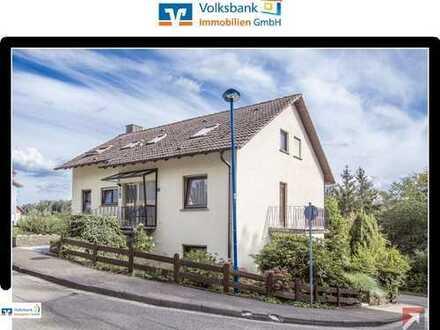 Volksbank Immobilien Ettlingen - Großes Zweifamilienhaus in Waldbronn