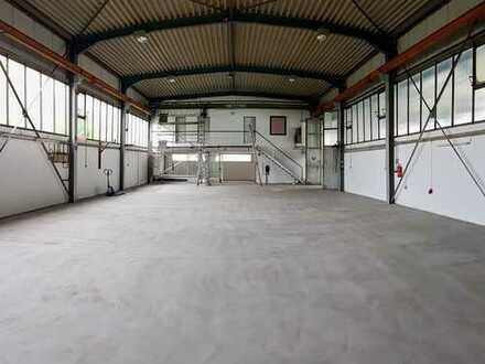 Lager-/ Produktionsfläche mit 2 Kranbahnen in Stuhr-Moordeich